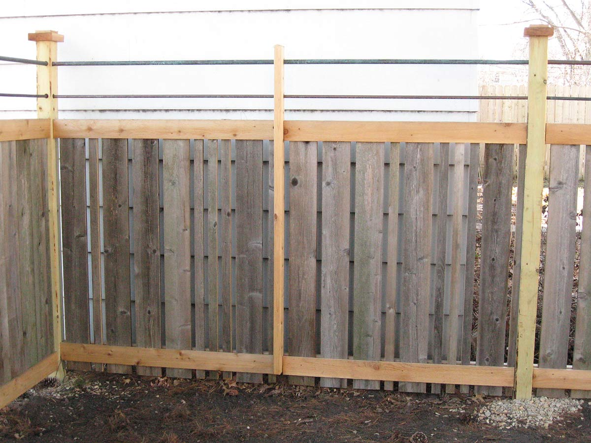 Reclaimed Wood Fence Homestead