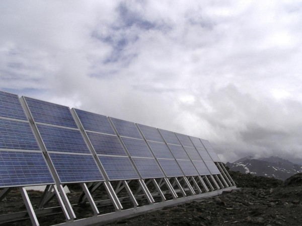 Solar-Panels-Cloudy-Day-Energy